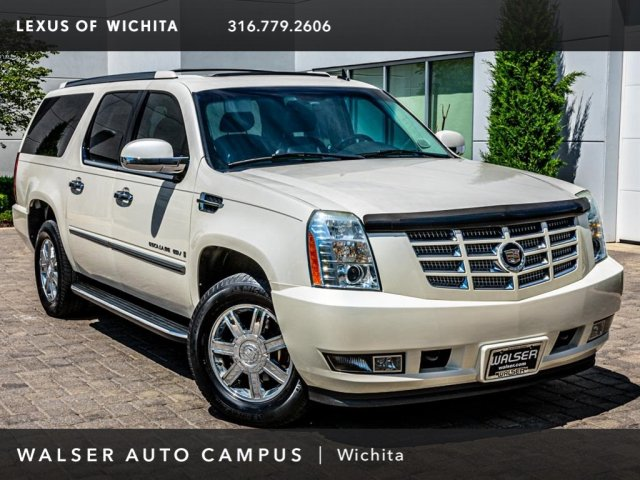 Pre-Owned 2007 Cadillac Escalade ESV Upgraded 22-Inch Wheels