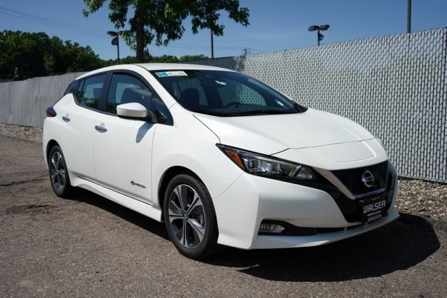 New 2019 Nissan LEAF SV With Navigation