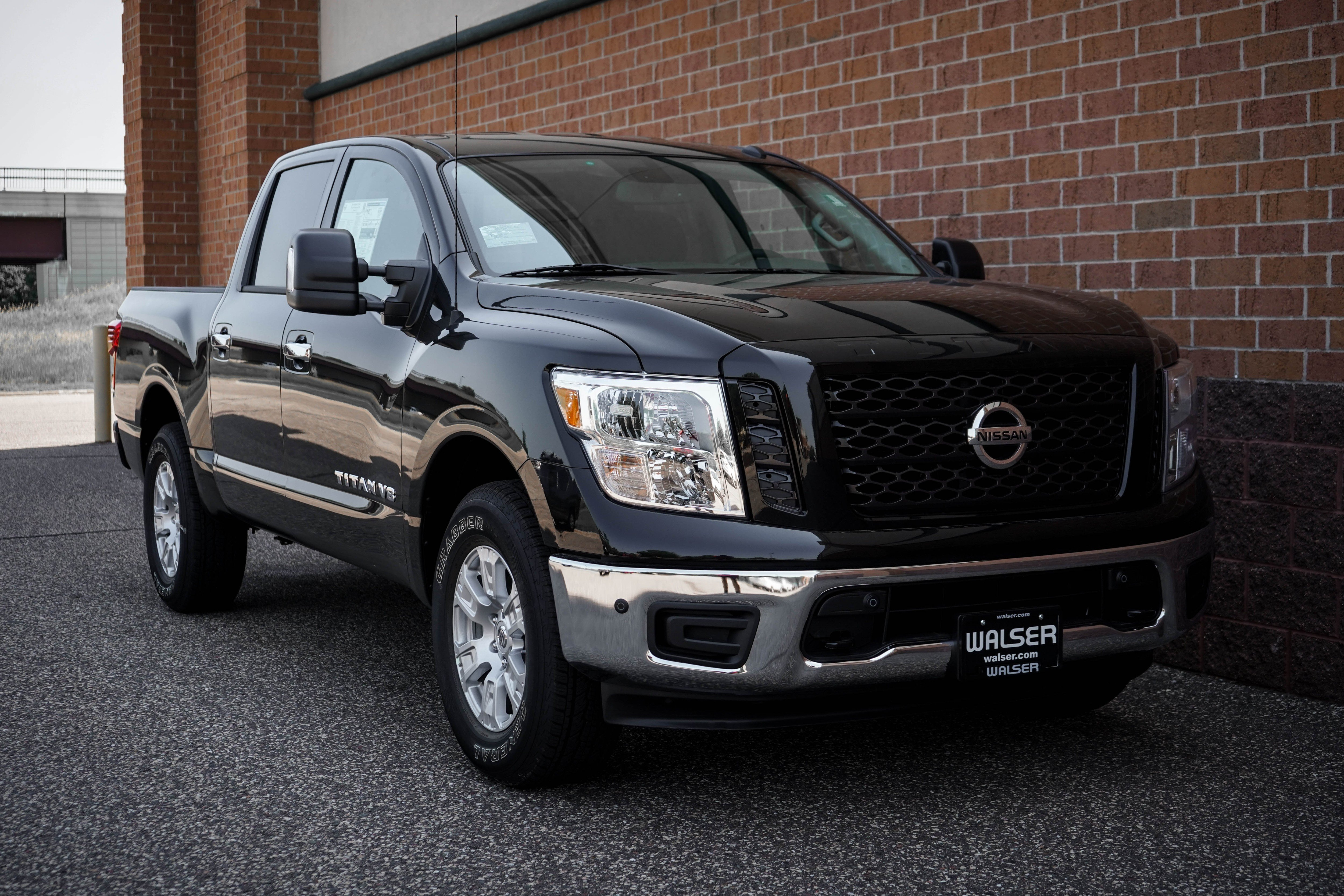 New 2019 Nissan Titan SV 4X4 UTILITY PKG With Navigation & 4WD