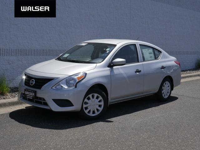 New 2019 Nissan Versa Sedan S M/T 4dr Car