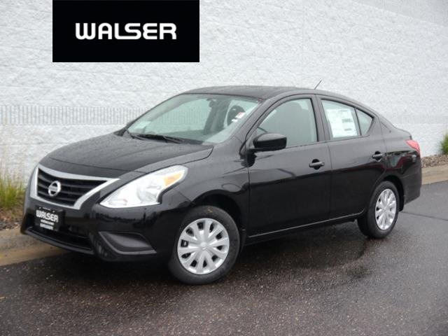 New 2019 Nissan Versa Sedan S M/T FWD 4dr Car