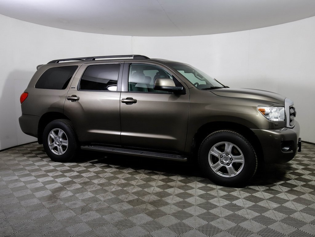 Pre-Owned 2009 Toyota Sequoia SR5 LTHR DVD