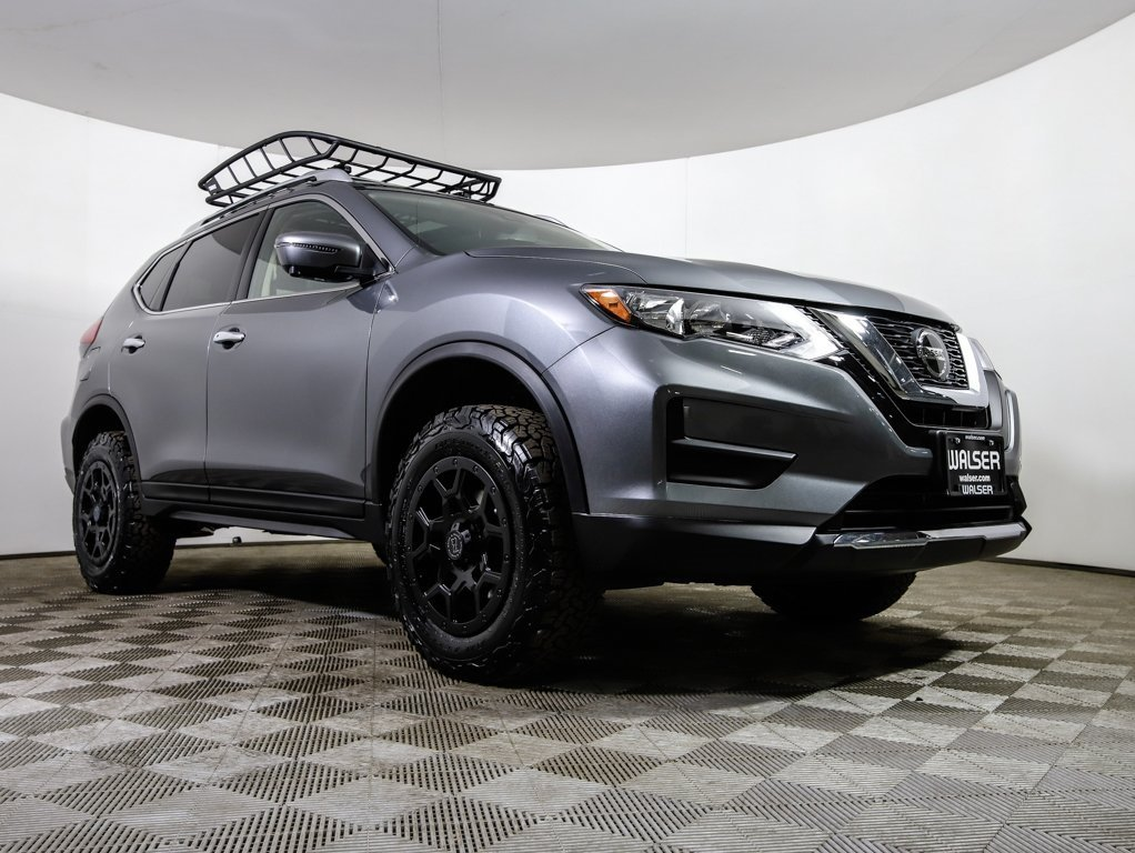 New 2019 Nissan Rogue SV LIFTED W/WHEELS
