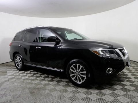 Certified Pre-Owned 2016 Nissan Pathfinder SV AWD